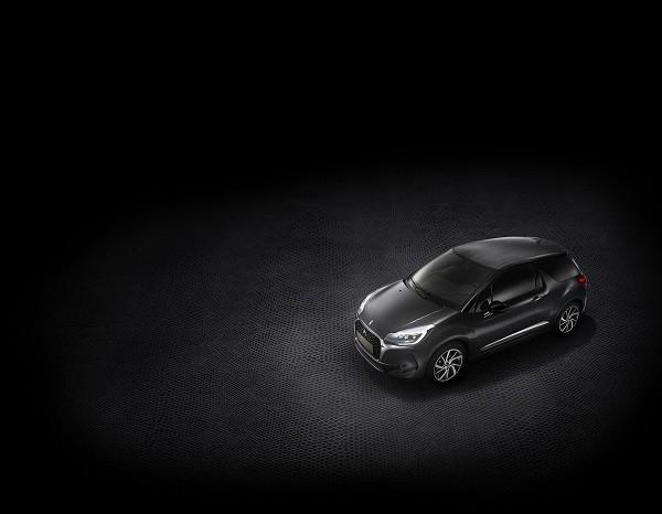 プジョー、限定モデル「DS 3 BLACK LEZARD」10台限定 トカゲの表皮をリアルに再現したルーフ