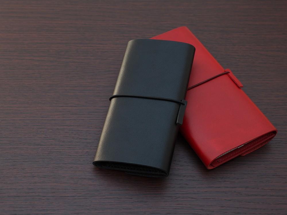 余分な装飾やカメラ穴がない ミニマルデザインのiPhoneケース