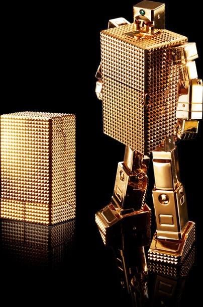 「超合金魂 ゴールドライタン」ライターからロボへの変形を完全再現!