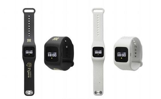 【タイガースモデル】試合速報も球団情報も届く腕時計型ウェアラブル端末「funband」