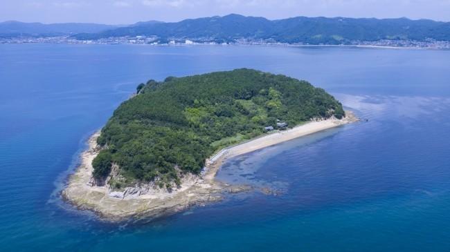 瀬戸内海の無人島で1日1組限定貸し切りキャンプ