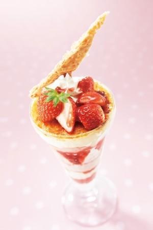 パリッ&とろ~り デニーズの「新・苺デザート」