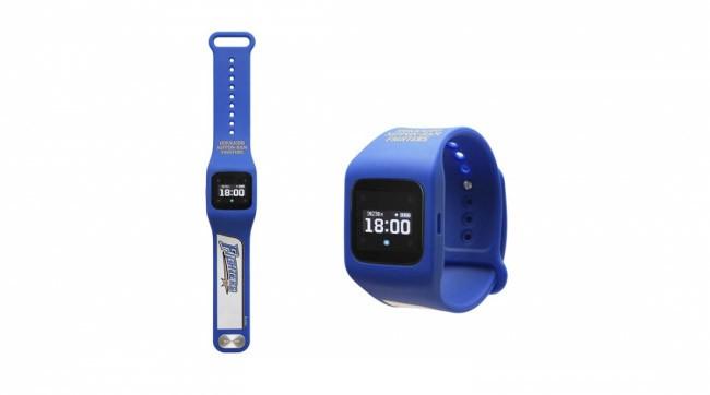 腕時計型ウェアラブル端末でプロ野球応援 ファイターズ&ドラゴンズモデル