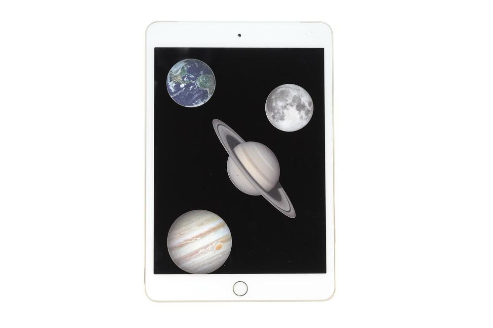 「地球」や「土星」など天体モチーフ 液晶画面のクリーナー
