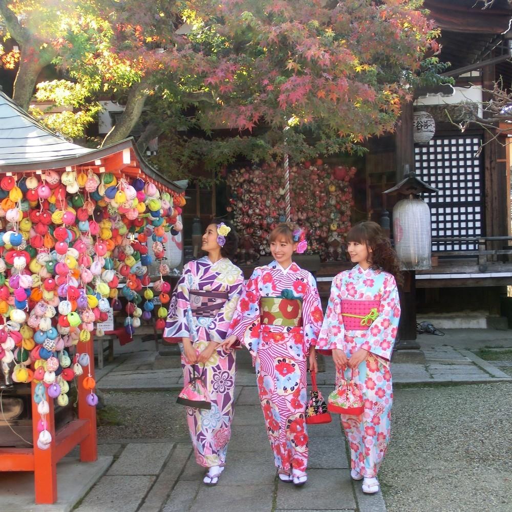 その「いいね」買います! 京都着物レンタル店「いいね」の数だけ料金お安く