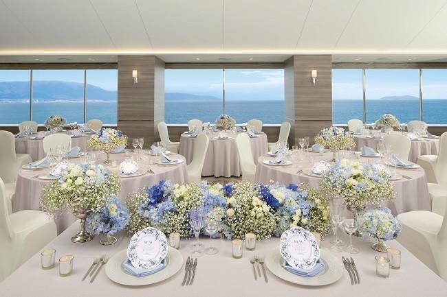 大きな窓から空と琵琶湖を一望できる「ヘブンリールーム」