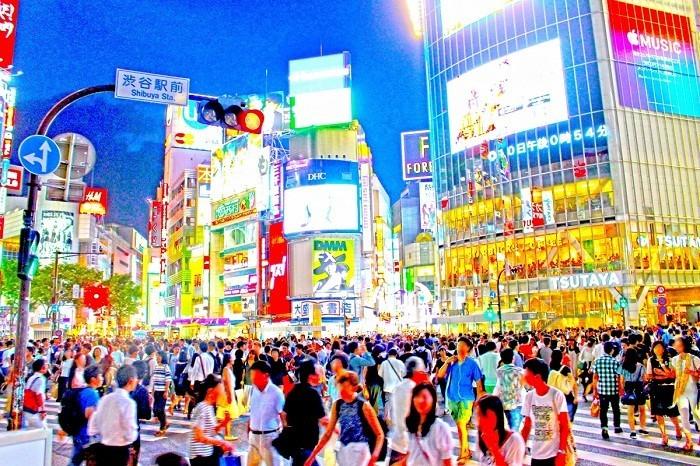 熱狂の渋谷交差点でギャル遭遇まさかの出来事...