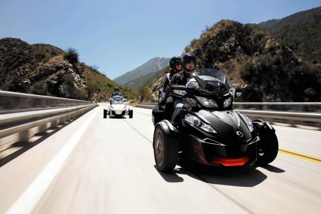 普通免許で乗れるカナダ製三輪バイク 4種類のレンタルプラン