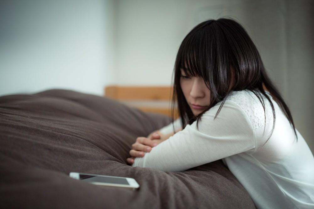 元恋人の連絡先、消すべきか残すべきか 「すっきりサヨナラ」は男女どっち?