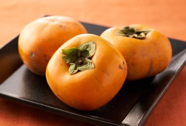 台風21号に耐えた「落ちない」柿 買って食べれば被災地の生産者支援に