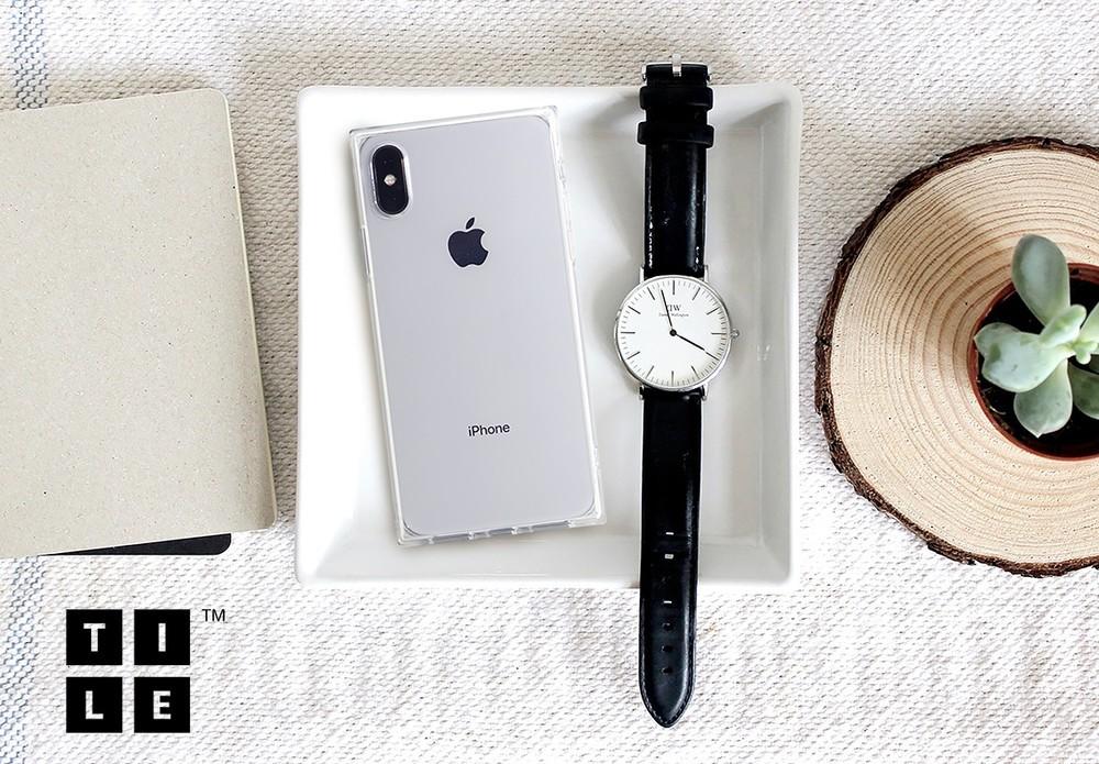 スクエア形状が特徴のiPhoneケース「TILE」クリアタイプ
