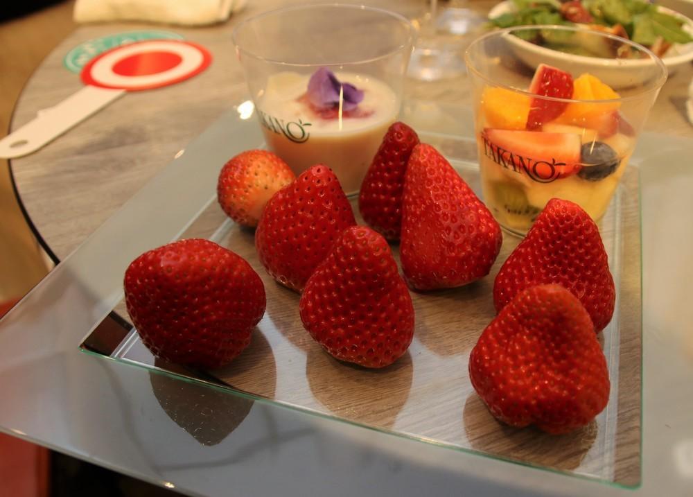 イチゴの食べ比べができる「スペシャルプレート」