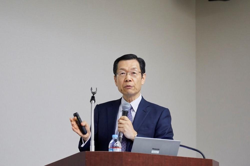 健康経営研究会の岡田邦夫理事長は睡眠問題も会社の介入を主張
