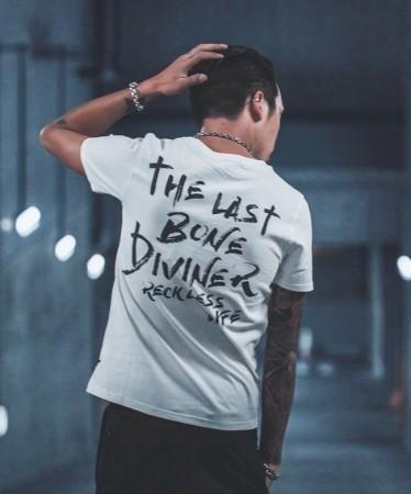 背中で語る男の夏アイテム メンズファッションブランド「DIVINER」から