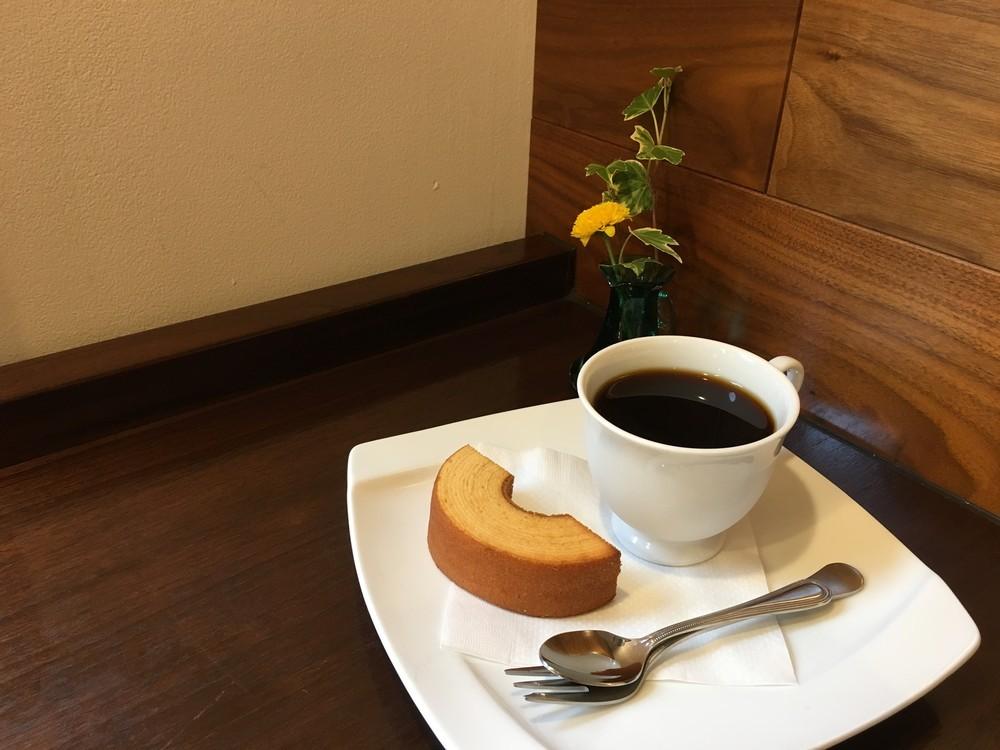 平日17時以降に注文できるワンコインの「ごほうびカフェ」