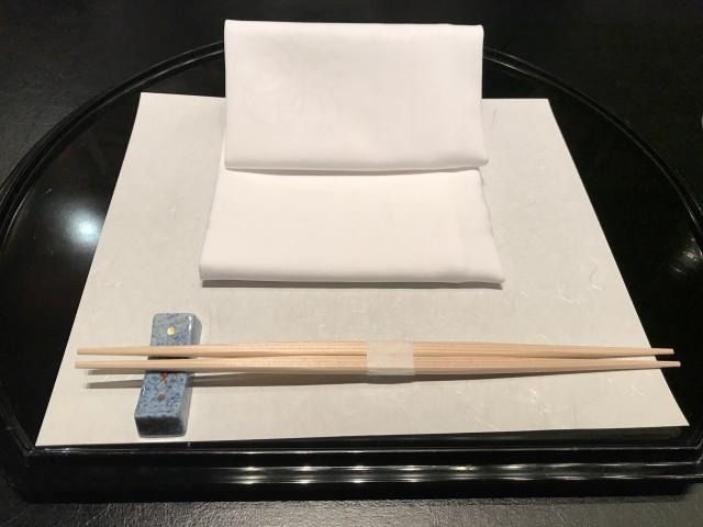 意外と知らない割り箸のマナー 「箸留め」に「箸袋」どう扱っていますか