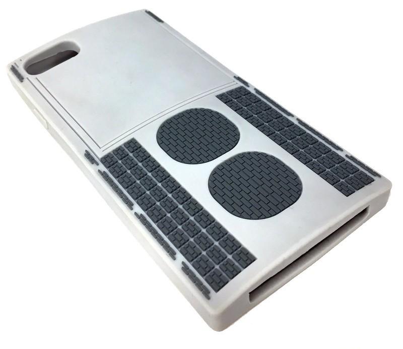 開発者すら「どこに需要が...」 通勤電車のクーラー型iPhoneケース