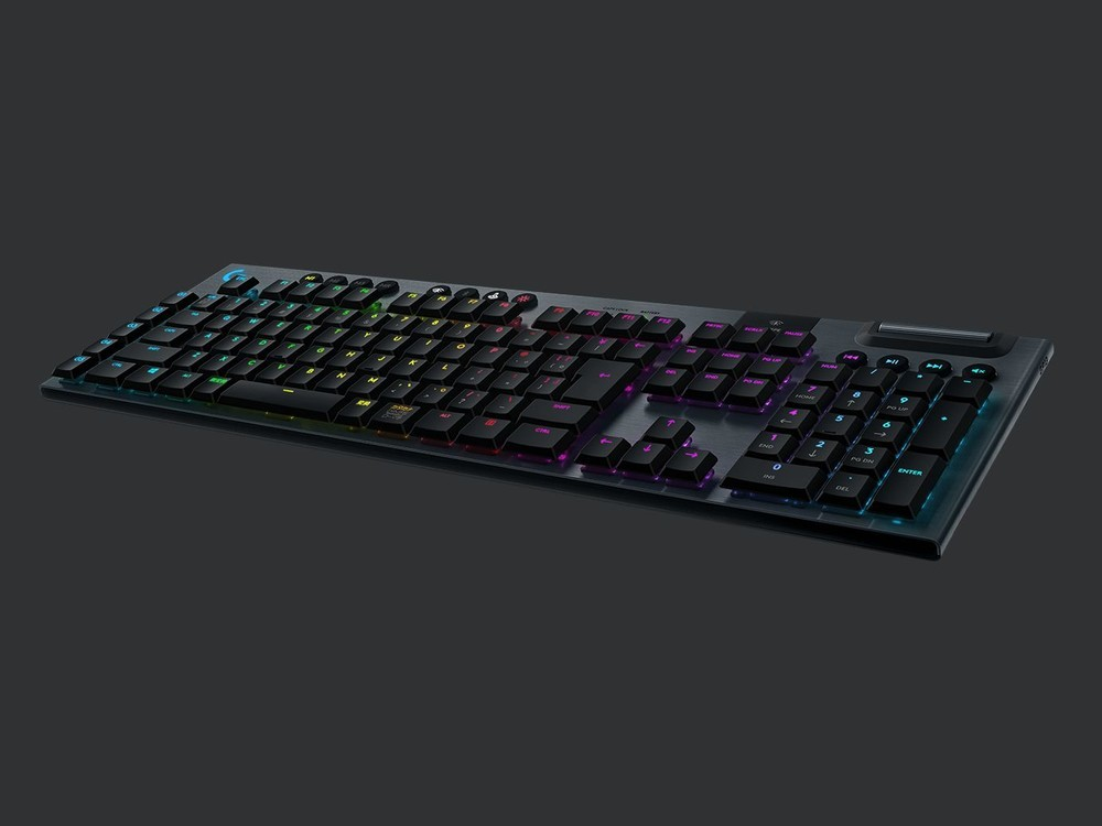 3つの異なる打鍵感のメカニカルスイッチから選べるゲーミングキーボード