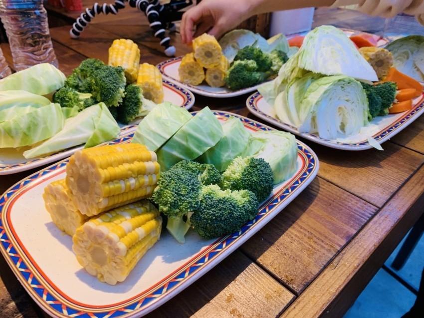「坂ノ途中」担当者が持参した野菜