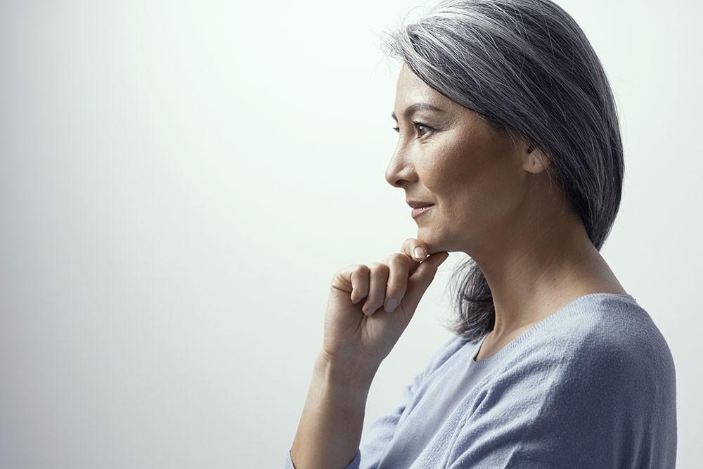「グレイヘア」流行語に選ばれたけれど 女性の意識調査で「抵抗ある」半数