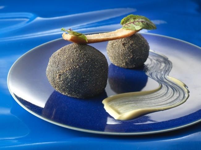 ベビースターラーメンの創作料理にシェフが挑戦 リーガロイヤルホテル
