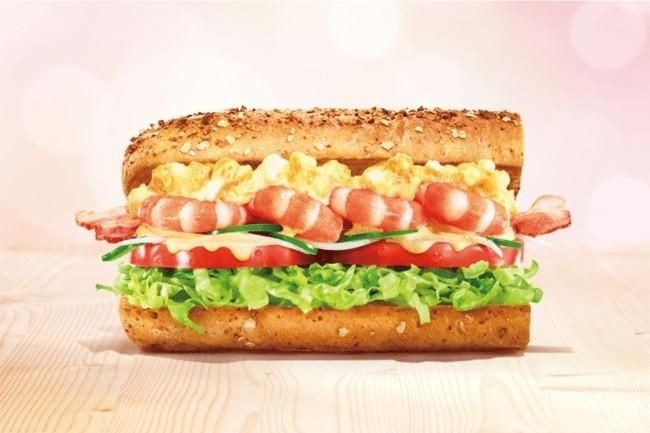 春を思わせる華やかなサンドイッチ