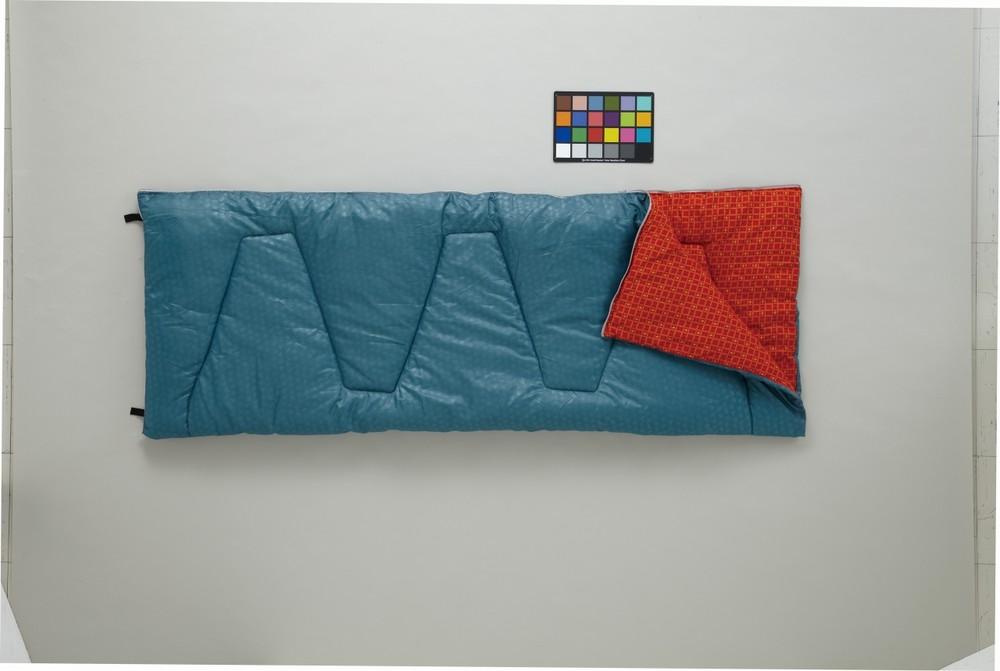 2人で添い寝できる「ミニバンぴったり寝袋・-2」