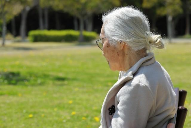 新型コロナで高齢者「危険だから出歩くな」の声 でも「家で引きこもり」生活だって危ない