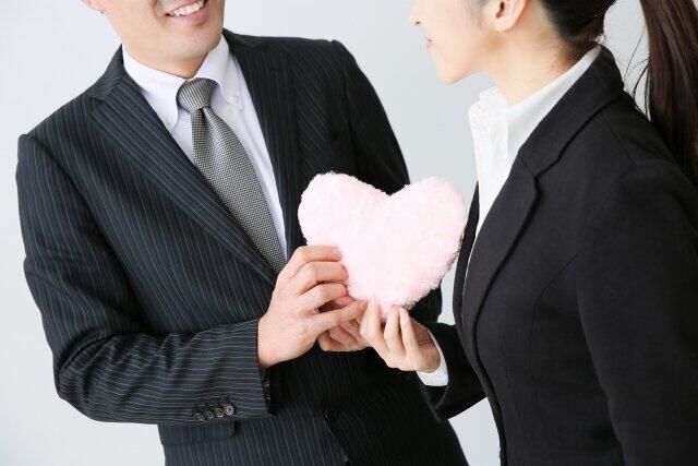 不倫経験者100人アンケート 多くは1~3年の関係、バレたり冷めたりで終了