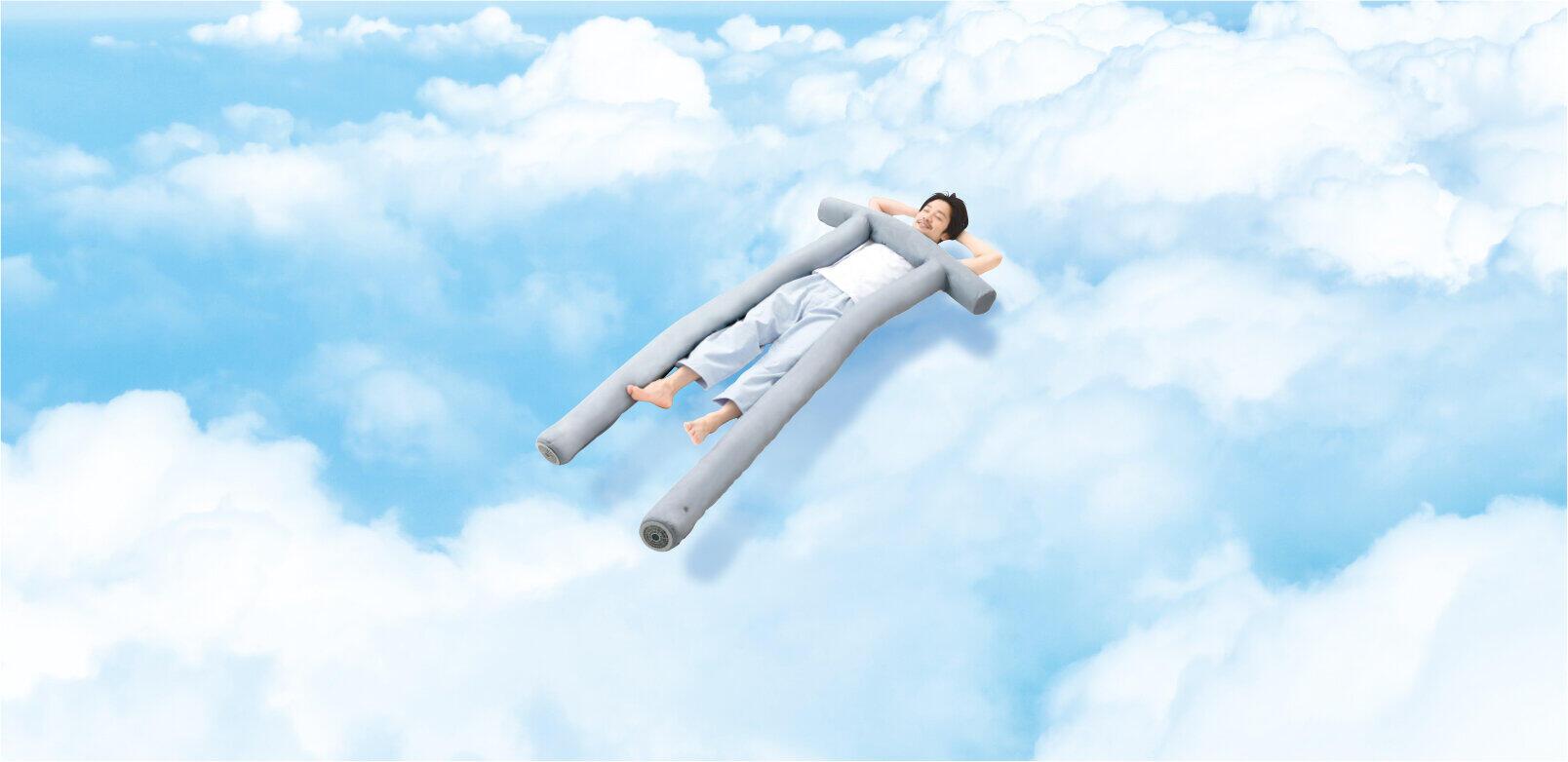 「鳥居」のようなユニークな形状が雲の上にいるような眠りに導く