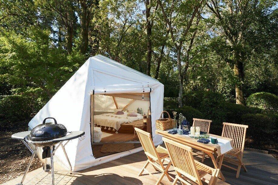 都心から1時間半で行けるリゾート 大自然に囲まれたグランピング宿泊施設