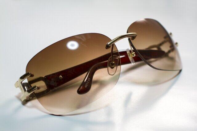 失くし物は何ですか 五木寛之さんは愛用のサングラスを気長に待つ