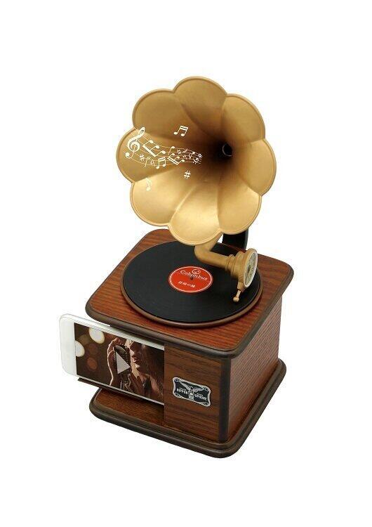 懐かしいメロディが聞こえてくるかも・・・ 蓄音機スタイルのスマホ用スピーカー発売
