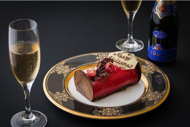 ホテルの高層階でクリスマス ブッシュ・ド・ノエル&シャンパン付き