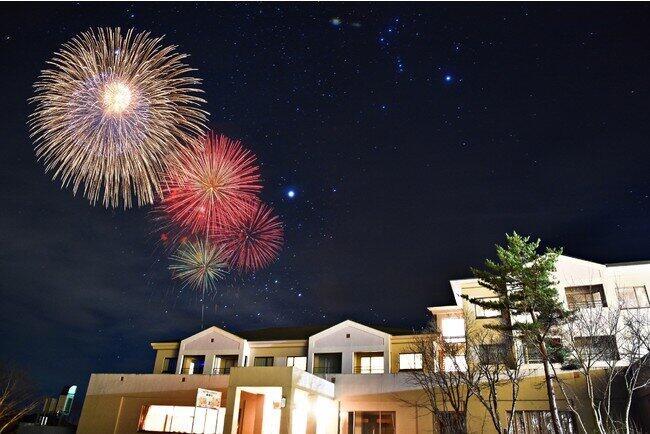 「お部屋から花火が見える」 裏磐梯のホテルが新プラン