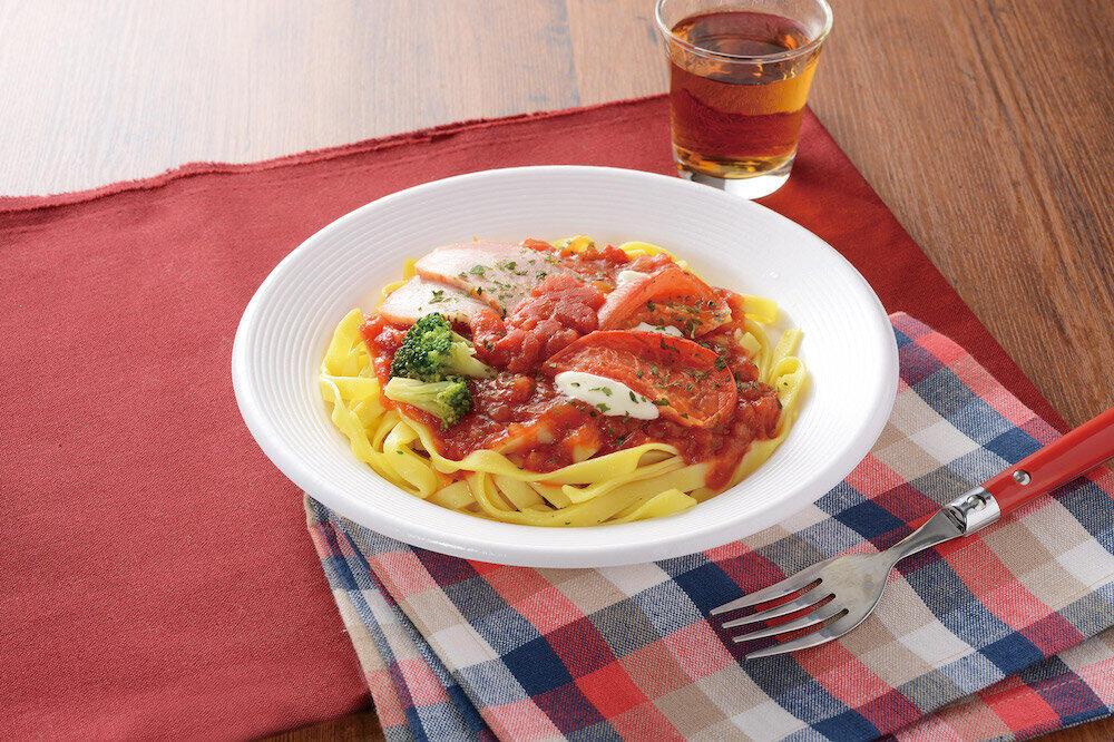 2月発売の「トマト!トマト!トマト!焼トマトと甘み広がるトマトソースの生パスタ フェットチーネ」