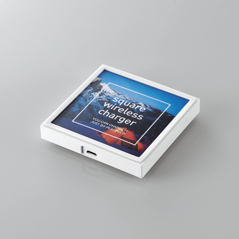 好きな写真を挟んでオリジナルデザインに エレコムのワイヤレス充電器