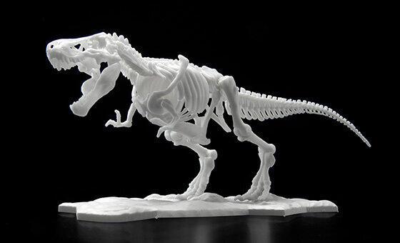 「恐竜骨格プラモデル」新素材で成形 ティラノサウルス&トリケラトプス