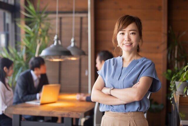 男女の機会均等 小島慶子さん「クオータ制はエコひいきじゃない」