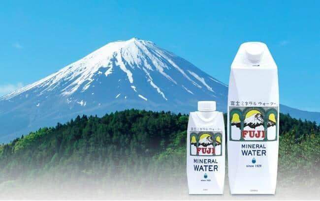 弱アルカリ性のまろやかな軟水を富士山麓で採水し、紙パックに充填