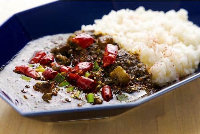花椒と山椒のしびれる辛さと華やかな香りが特徴