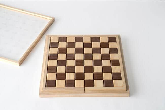 老舗桐箱メーカー発「木製オセロ」