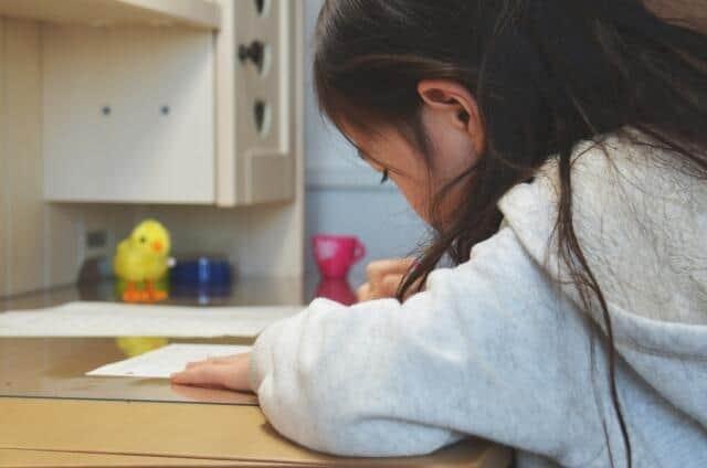 コロナクラスター学習塾で急増 「ワクチン対象外」の子どもに広がる危機