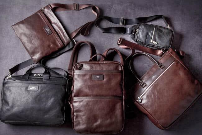 革の経年変化や、鞄のこなれ感も楽しめる