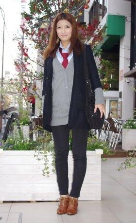 東京ファッション通信120~ポイントはCOACHの赤いネクタイ