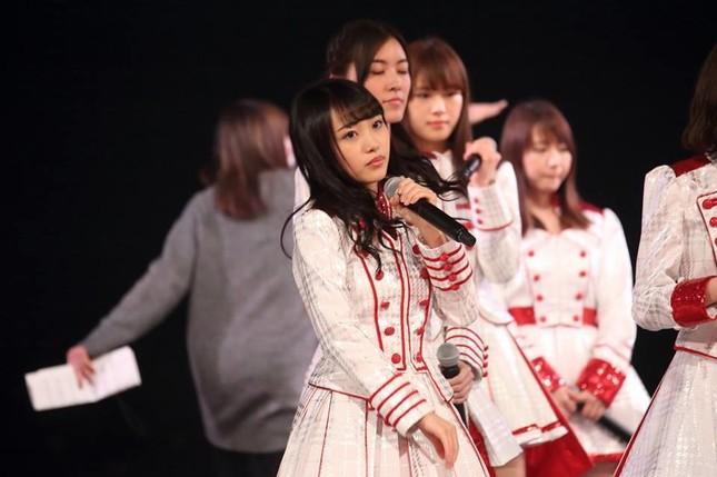 AKB48の向井地美音。12月30日のリハーサルでは本番と違う衣装を着ていた