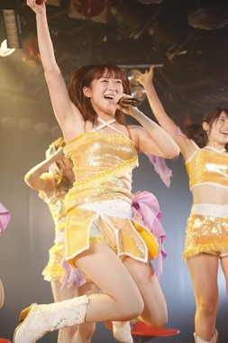 バンコク移籍前のラスト公演に臨むAKB48の伊豆田莉奈 (c)AKS