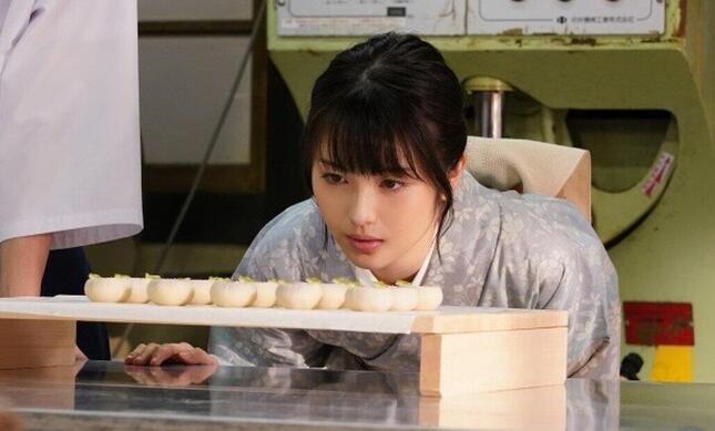 3年後、菓子店の女主人になった七桜は…(日本テレビの番組ホームページより)