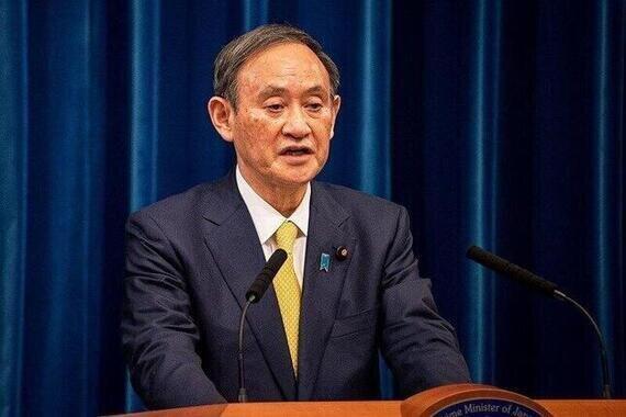 記者会見する菅義偉首相(2020年12月4日撮影)