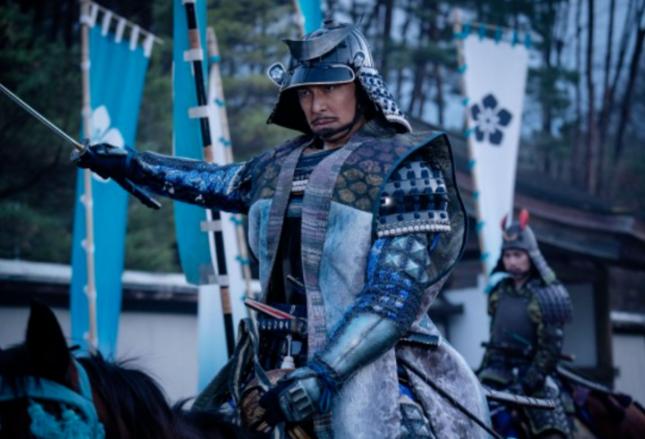 最終話で本能寺に攻め入る明智光秀(NHK公式サイト)